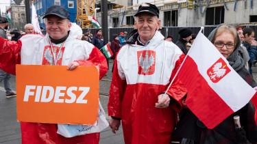 Hozzányúl a kormány a magyar nyugdíjrendszerhez?
