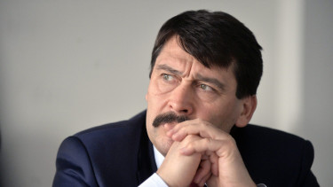 Hungarian President throws back law that would kill wind turbines