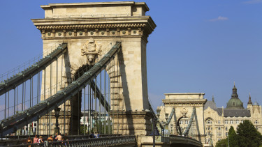 Hungary, Budapest, Chain Bridge, Lanchid. (Photo by: Avalon/Universal Images Group via Getty Images)