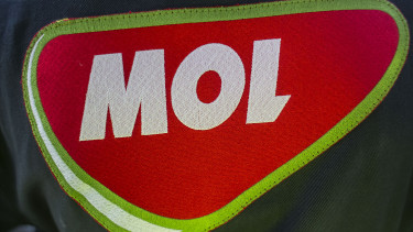 Hungary Mol plans squeeze-out at Slovakian subsidiary