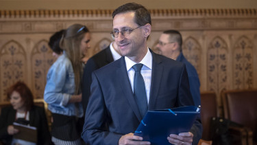 Hungary plans no major fiscal stimulus package - EcoMin