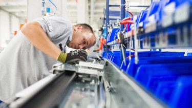 Hungary's industry loses growth momentum