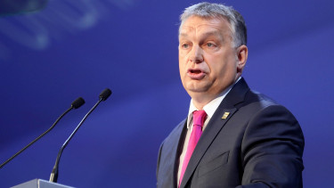 Hungary's Orbán talks Putin, Merkel, refugees with German paper