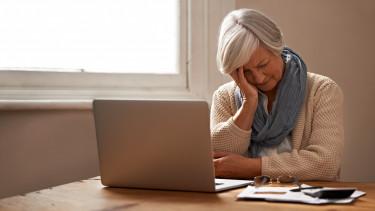 idős nő befektetés részvény getty stock