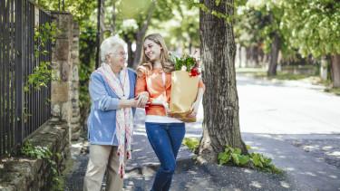 idős nyugdíj fiatal getty stock