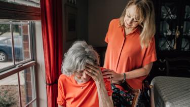 idős nyugdíjas nyugdíj szomorú