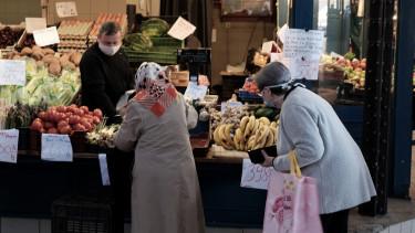 idosek vasarlasi savja vedett idosav bolt bevasarlas felfuggesztes karacsony 201212