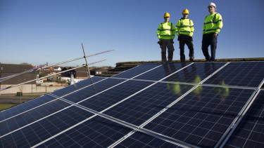 indulhat a roham ceges napelemes palyazat megnyilt1500