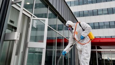 ingatlanüzemeltetés kórház fertőtlenítés