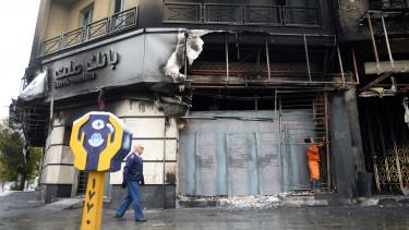 irán bank tüntetés gyújtogatás bank mellat