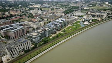 Irodaházak a Duna parton, IX. kerület légifotó