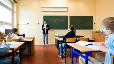 iskola tanítás diák koronavírus járvány