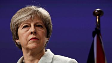 Itt van Theresa May magyarázata, miért nem léptek még ki az Unióból