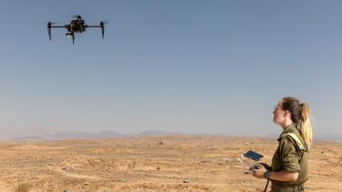 izrael drón