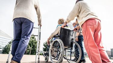 Jól járnak a nyugdíjasok? Itt az újabb áfacsökkentési javaslat