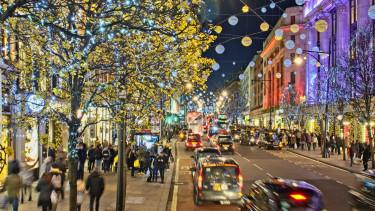 karácsony utca boltok tömeg