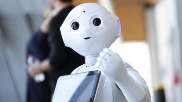Képzeld el, hogy bemész egy bankfiókba és az ügyintéző helyett egy ilyen robot fogad