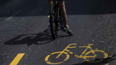 kerékpársáv biciklisáv
