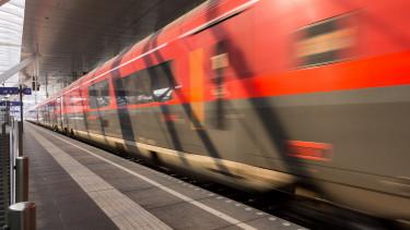 Késések lehetnek a Budapest-Bécs vasútvonalon