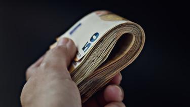 készpénz euro európai bizottság