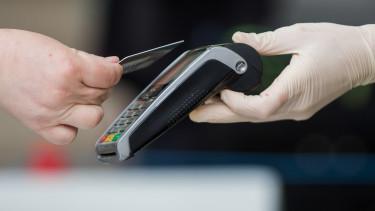 készpénz pos-terminál bankkártya fizetés