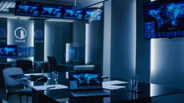 kiberbiztonság terrorelhárítás kibertámadás laptop