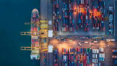 kikötő hajó szállítás raktár dokk konténer