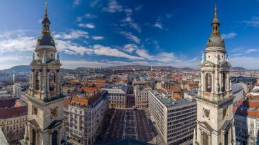 kilátás a bazilikából Budapestre