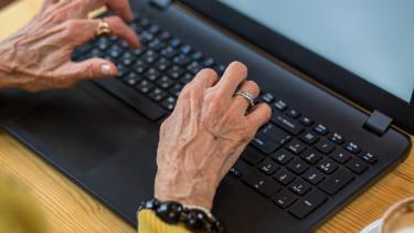 Kínos hiba és nagy mentés - Ezért késtek a nyugdíjak