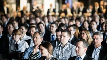 konferencia csoportkép