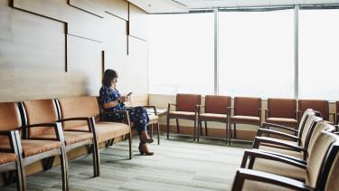 kórház állami egészségügy várólista várakozás beteg