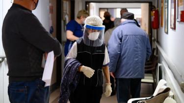 kórház oltás egészségügy