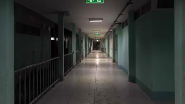 kórházi folyosó