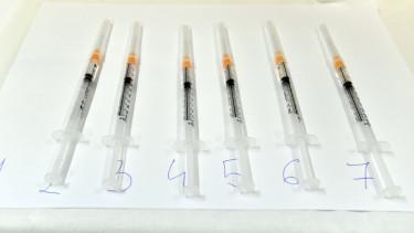 koroavírus oltás mti