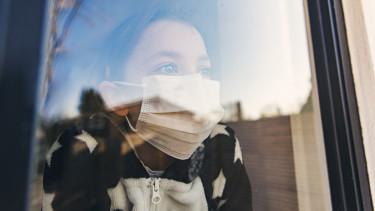 koronavírus gyerek maszk getty stock