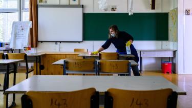 koronavírus járvány iskola tanterem