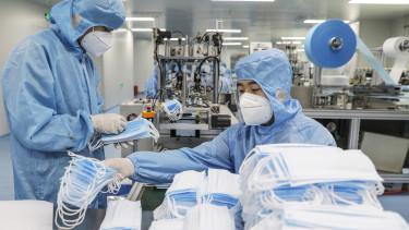 koronavírus járvány kína maszk