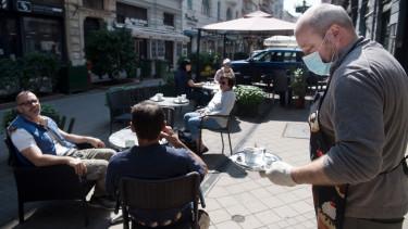 koronavírus járvány újranyitás étterem terasz korlátozás budapest