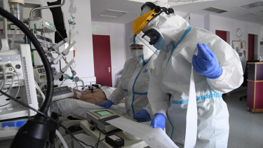 koronavirus lelegeztetogep jarvany korhaz budapest 200917