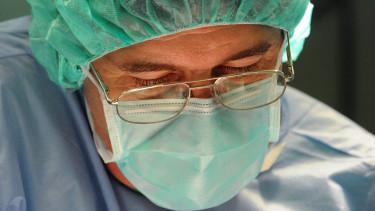 koronavirus orvosi maszk