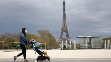 keres nő párizsban)