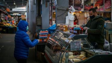 koronavírus piac vásárlás járvány maszk
