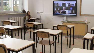 koronavirus szigoru intezkedesek digitalis oktatas iskola