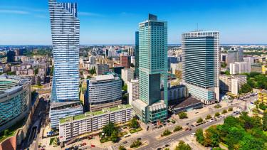 Közbelép a jegybank, hogy elkerülje a bankpánikot Lengyelországban
