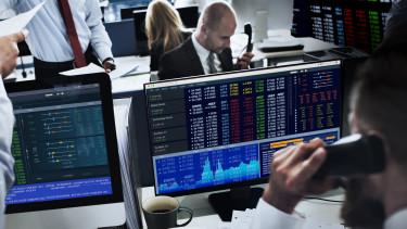 Közeleg a sosem látott mélypont - Miért a forintra szálltak rá megint a befektetők?