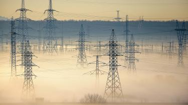 Kritikus szinten Magyarország áramfüggősége - A szomszéd országok kezében a sorsunk