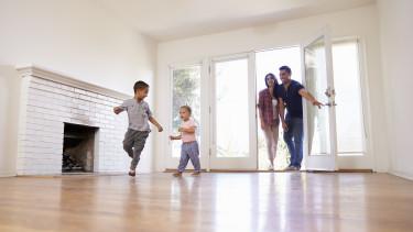Lakásáfa ingyenmilliók - Aki szül, megkapja!?