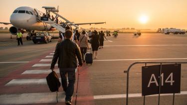 Látványosan épül a reptér új utasmólója