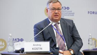 Leköcsögözte Putyin bankára a volt brit külügyminisztert