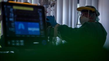 lélegeztetőgép koronavírus kórház járvány
